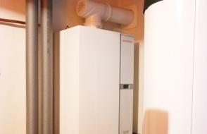 Gasbrennwerttherme mit Warmwasserbereitung in Lohmen